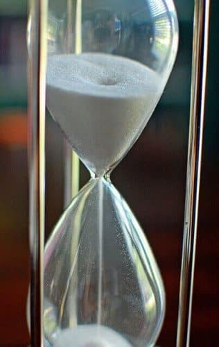 DIY Sand Timer 30 minutes Hourglass by Jamiesrabbits (httpswww.flickr.comphotosjamiesrabbits5640739307) via Creative Commons