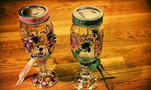 plastic goblet Image via Creative Commons by wizardofozgurl (http://www.flickr.com/photos/18663463@N03/8517903322/) via Creative Commons