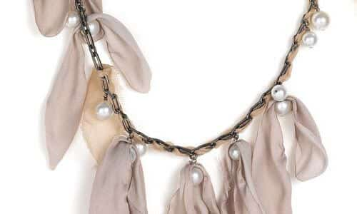 Lavin drop pearl chain necklace - inspiration for diy | ...love Maegan (https://www.flickr.com/photos/lovemaegan/) | Creative Commons