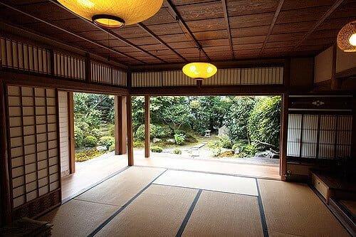 """Japanese living""   by Emile Bremmer (https://www.flickr.com/photos/echbremmer/2752746847/) via creative commons"
