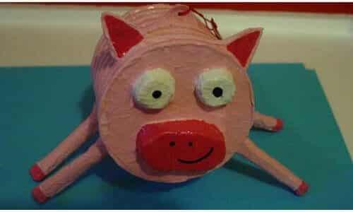 paper mache pig by bacondog (https://www.flickr.com/photos/bacondog/404586213/) via Creative Commons