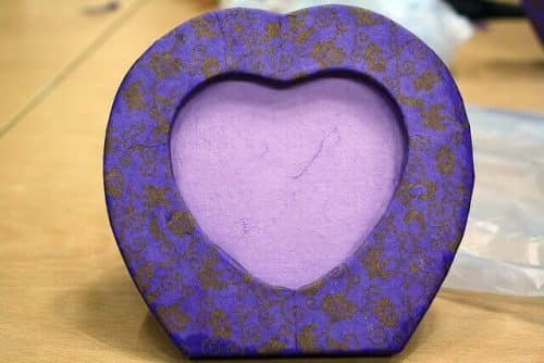 "DIY Valentine's Day frame ""My Beautiful Heart Frame"" by Joamm Tall (http://www.flickr.com/photos/joamm_tall/5668790888/) via Creative Commons"