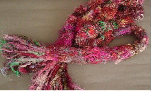 Recycled knit Scarf Recycled Silk Scarf by Diane Wellman (https://www.flickr.com/photos/18581265@N05/4241813229/) via Creative Commoms