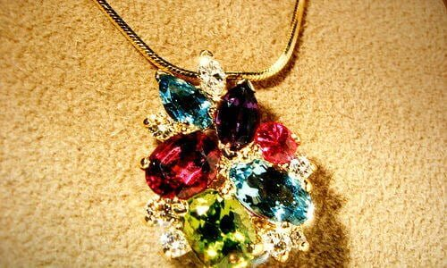 birthstone pendant necklace mother's pendant by gemteck1 | http://www.flickr.com/photos/jacbt/342213641/ via Creative Commons