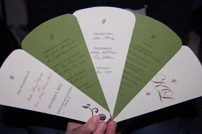 wedding fans via notyourtraditionalwedding.blogspot.com